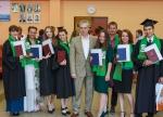 Наши выпускники с заведующим кафедрой Трофименко Ю.В.