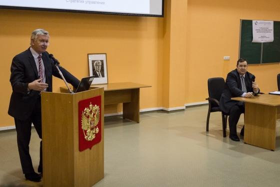 Выступает Йозеф Майер, Директор Программ СНГ ООО «АВЛ Москва»