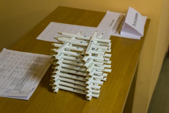 Карандаши (а также ручки и блокноты) всем участникам